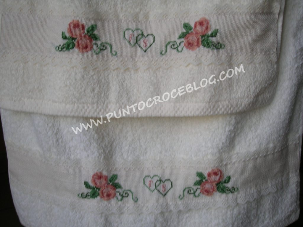 Asciugamani Bagno Ricamati A Punto Croce Con Lettere