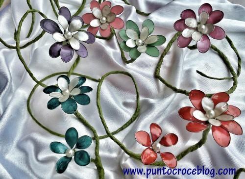 fiori in fil di ferro e smalto