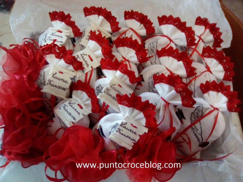 Bomboniere Matrimonio Punto Croce Schemi.Bomboniere Per Laurea A Punto Croce Puntocroceblog
